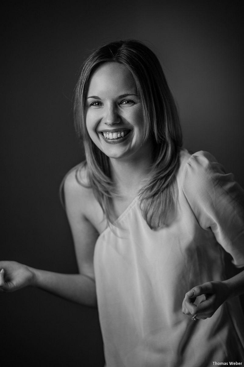 Portraitfotos von Mareike auf meiner Couch in Oldenburg (5)