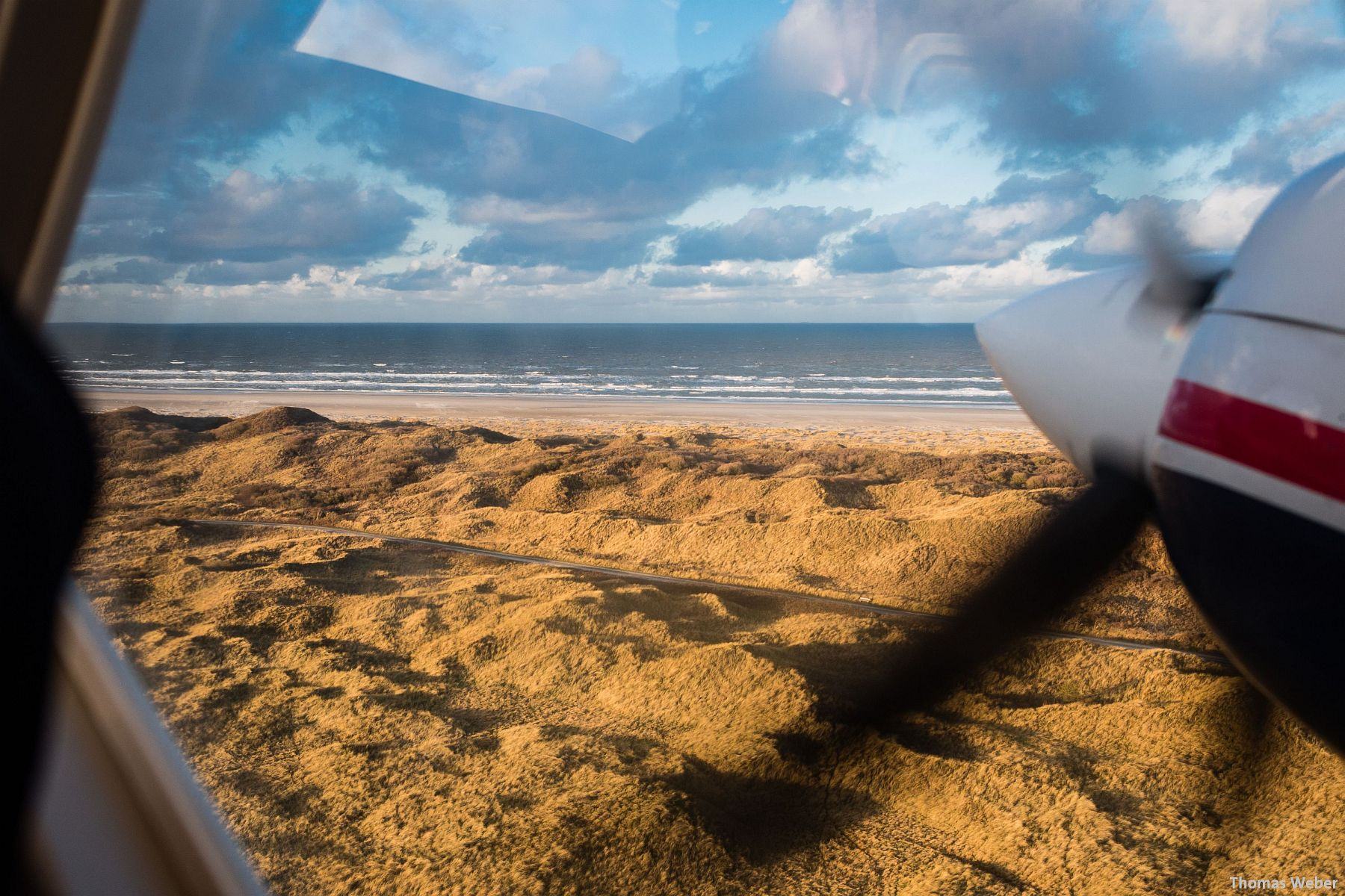 Fotograf Thomas Weber aus Oldenburg: Flucht vor dem Orkan Xaver mit dem Inselflieger Juist (6)
