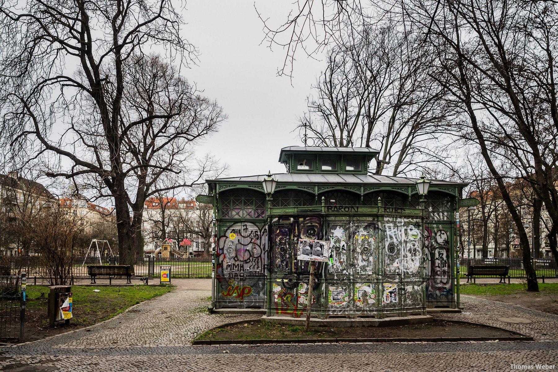Fotograf Thomas Weber aus Oldenburg: Eine öffentliche Toilette in Berlin