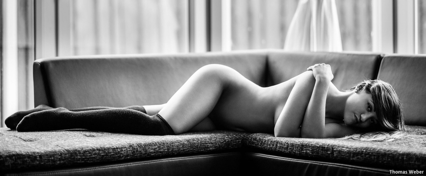Fotograf Thomas Weber aus Oldenburg: Erotische Portraits im Fotostudio (8)
