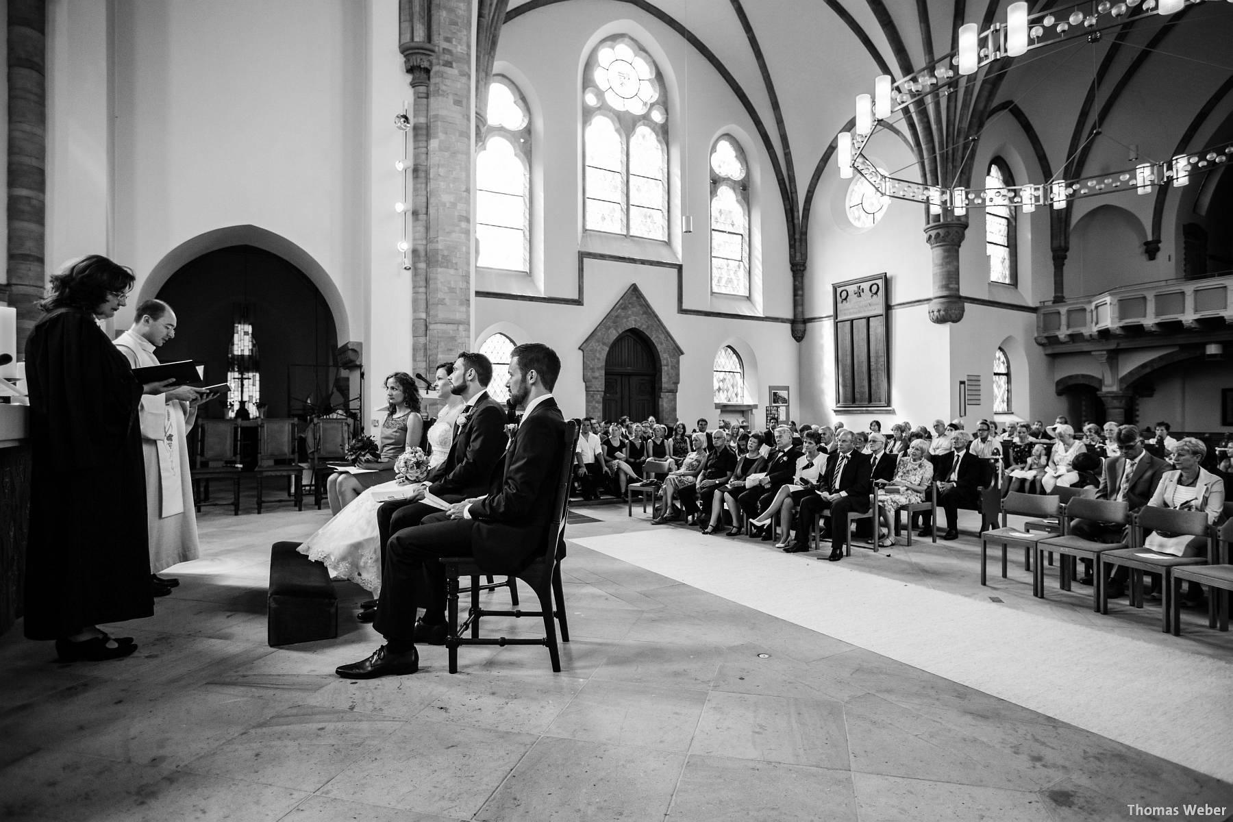 Hochzeitsfotograf Oldenburg: Kirchliche Trauung in der Garnisonkirche Oldenburg und Feier im Landhaus Etzhorn Oldenburg (27)