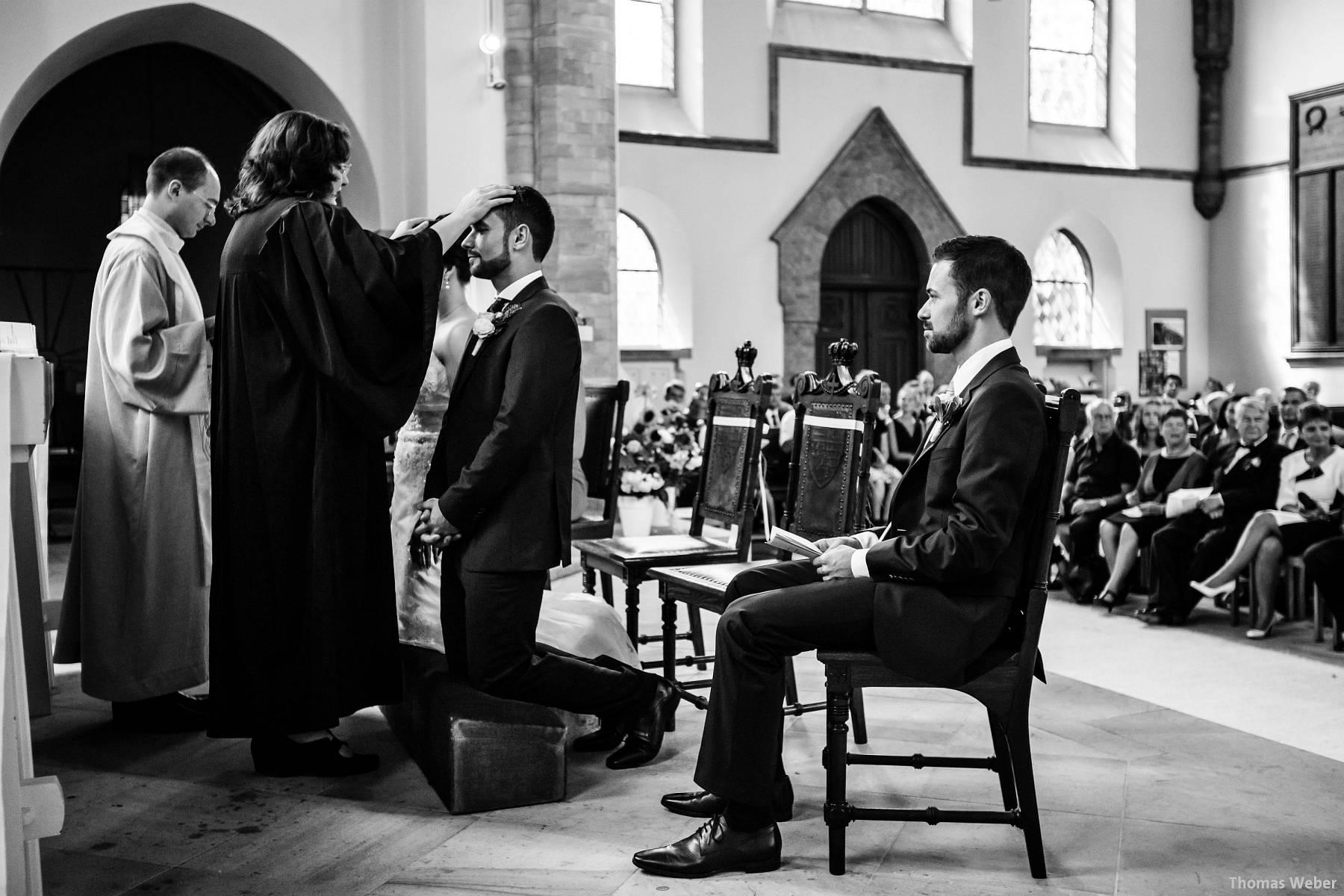 Hochzeitsfotograf Oldenburg: Kirchliche Trauung in der Garnisonkirche Oldenburg und Feier im Landhaus Etzhorn Oldenburg (25)