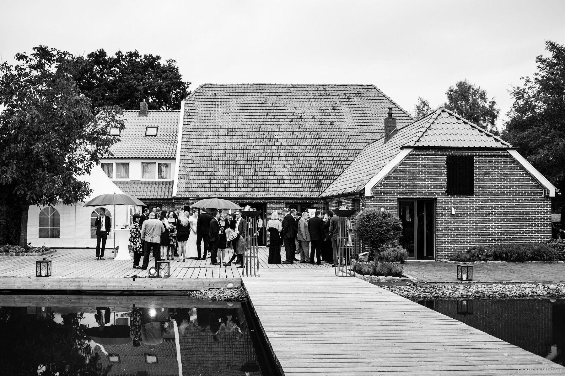 Hochzeitsfotograf Rastede: Kirchliche Trauung in der St. Ulrichs Kirche Rastede und Hochzeitsfeier in der Eventscheune St Georg Rastede mit dem Catering von Split Food (Michael Niebuhr) aus Oldenburg (9)