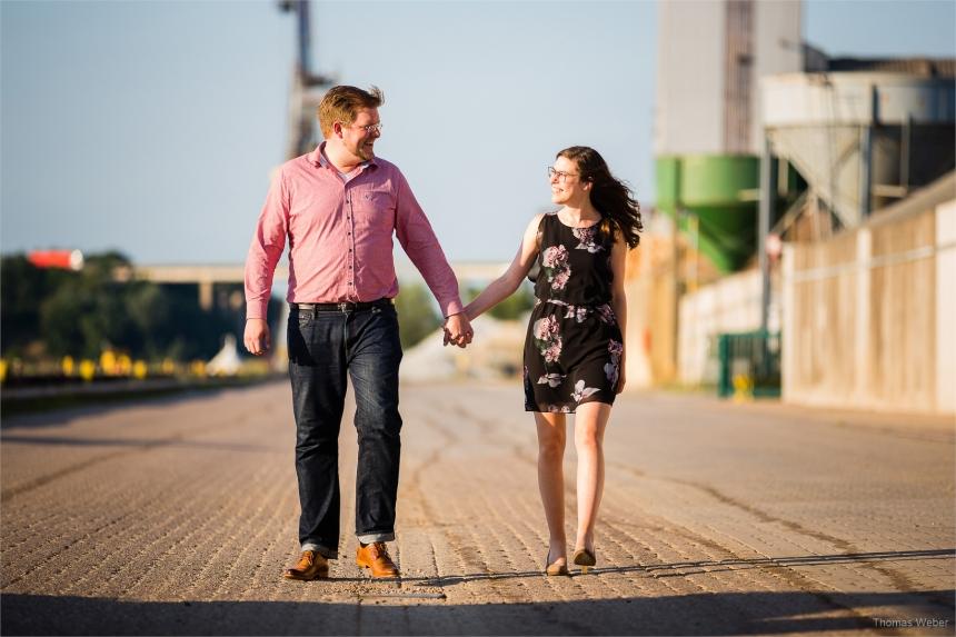 Paarfotos bei einem Engagement-Shooting vom Fotografen Thomas Weber in Oldenburg