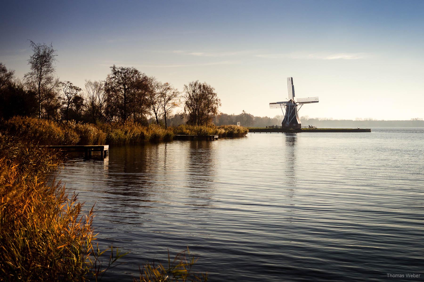 Die Windmühle de Helper am Paterswoldsemeer in Groningen bei einer Fahrradtour durch Groningen, Fotograf Oldenburg, Thomas Weber