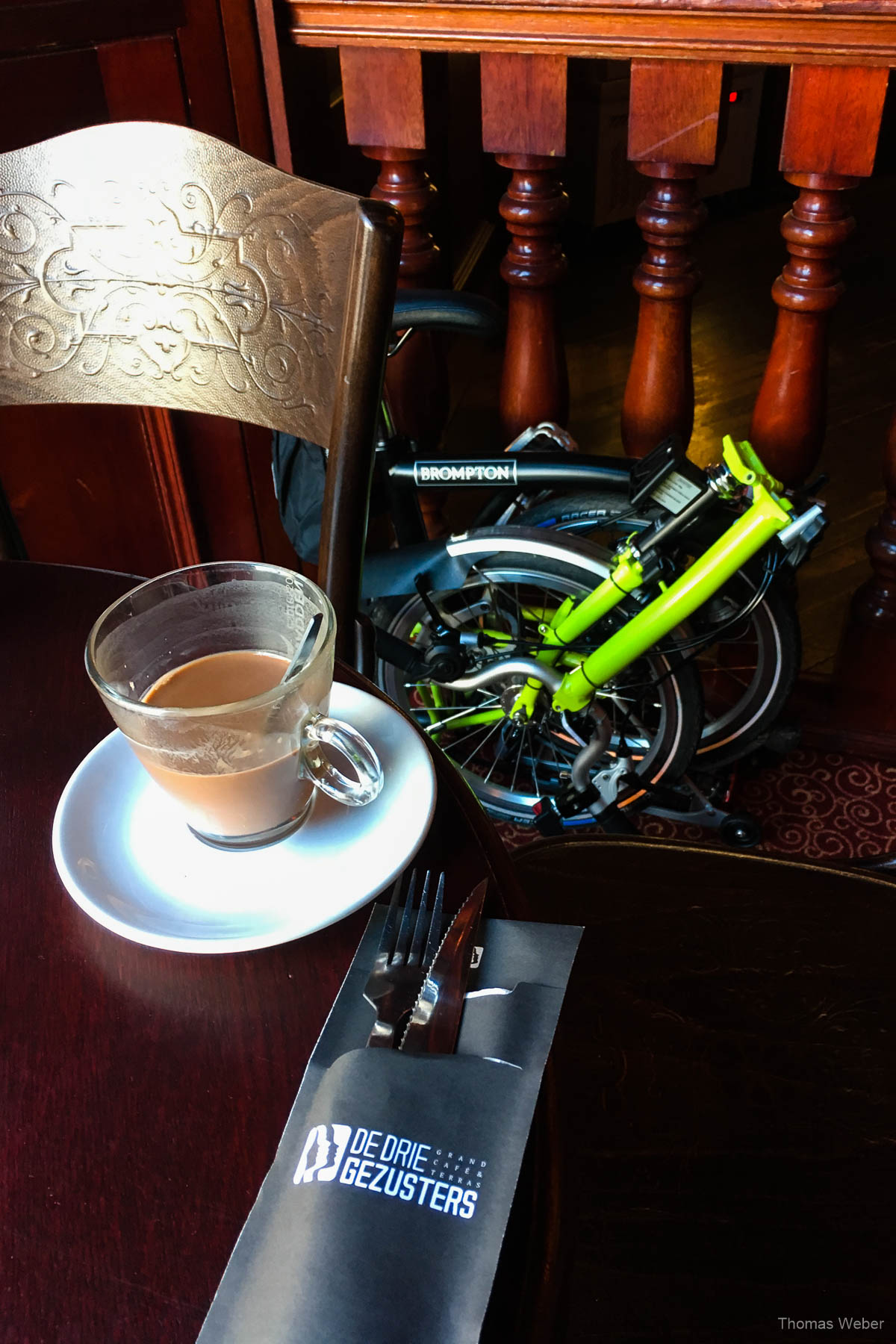 Kaffee im De Drie Gezusters am Grote Markt in Groningen bei einer Fahrradtour durch Groningen, Fotograf Oldenburg, Thomas Weber
